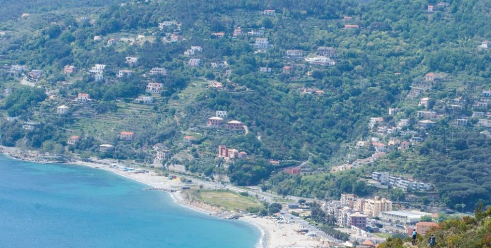 The sea is never far away on your Finale Ligure mtb tour