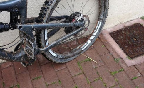 Puncture from a rock on Crestino trail Finale Ligure