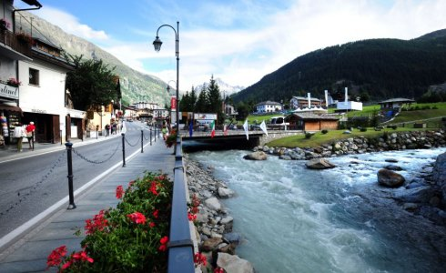 the town of la thuile is stunning