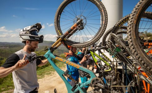 ride on noli uplifts in finale ligure