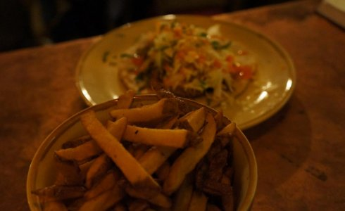 pulled pork and fries bec jaune
