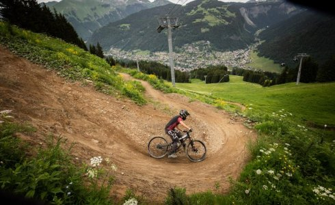 the wide open turns of the red trail in Morzine