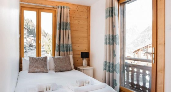 Chalet Ice luxury accommodation in Morzine double bed room