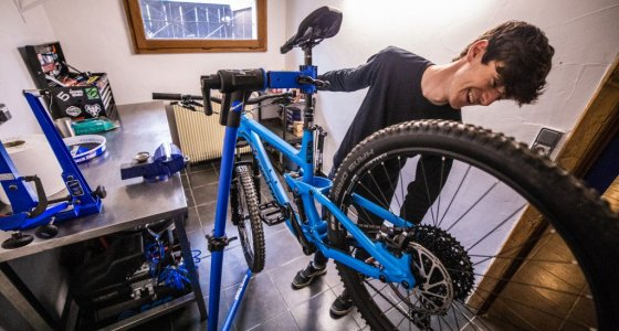 mtb beds have a mechanic in their chalets in Morzine