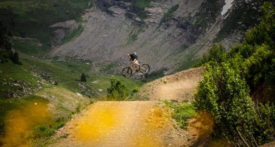 MOUNTAIN BIKING IN MORZINE IN THE FRENCH ALPS