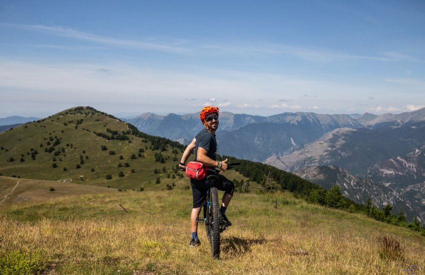 mountain bike guiding in finale ligure, molini, morzine, les gets, aosta, leogang, schladming