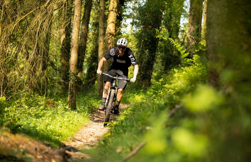 FOX Defend Fast Jersey & MTB BEDS partnership