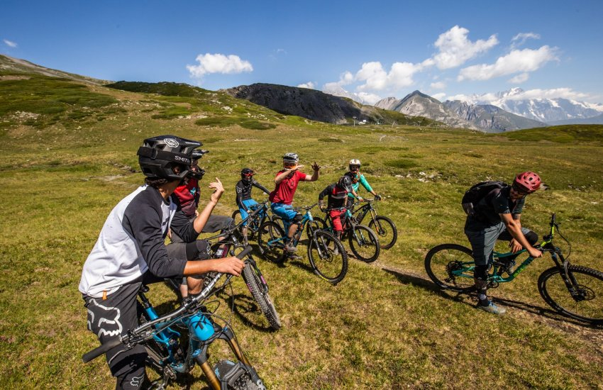 Driving role in Morzine and Finale Ligure